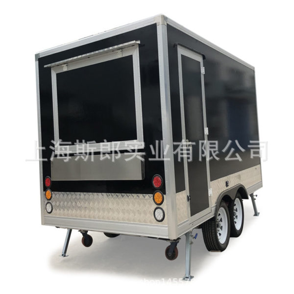 Manufacturers produce black export European tractor-trailer motorhome fashion snack car playground dining car can be ordered
