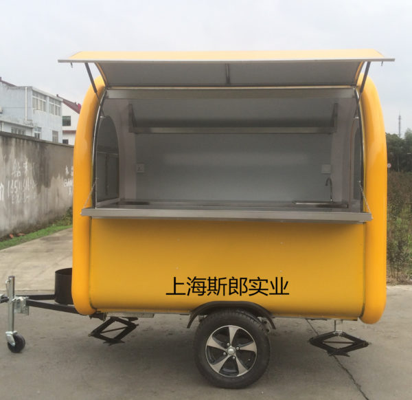 Factory production export tractor snack truck mobile food truck motorhome color size can be ordered