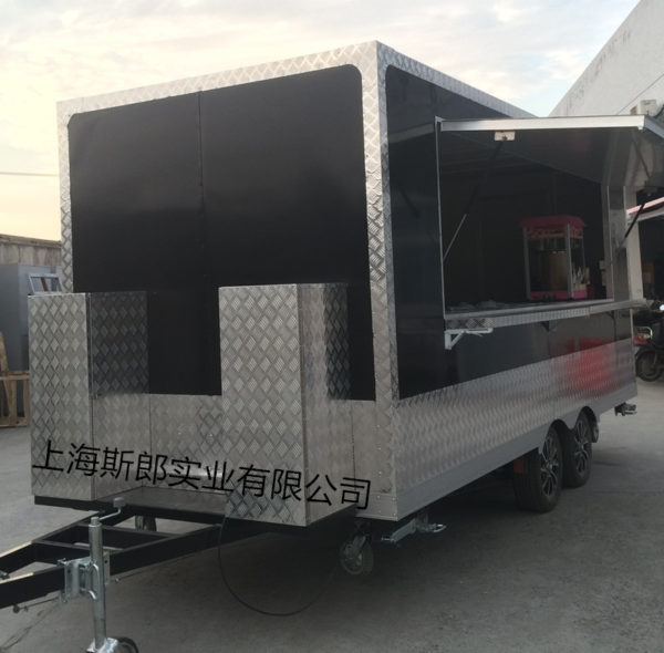 Factory exit with brake mobile food motorhome large outdoor camper van barbecue spicy hot snack car